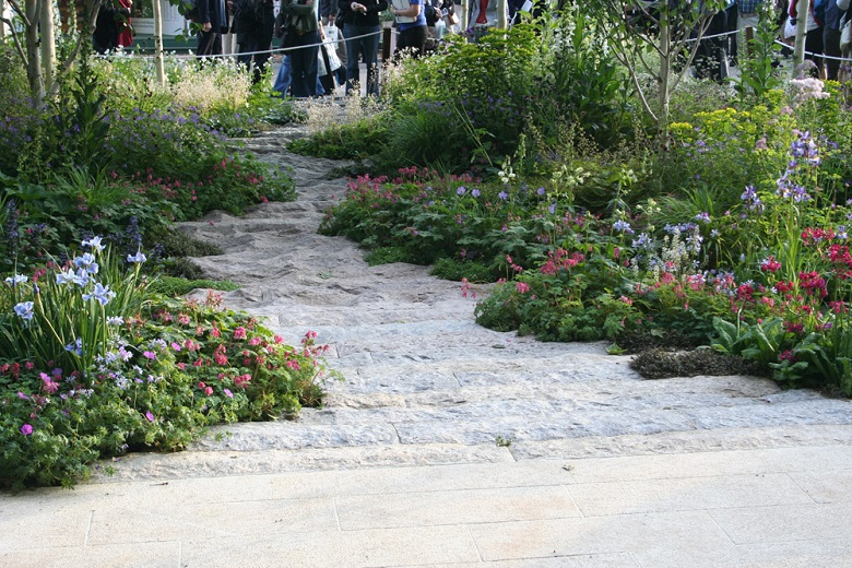 Natural Stone Pathway Ideas & Inspiration