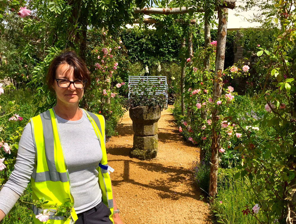 CED Pathway Leads Visitors Through BBC Gardeners' World Show Garden : Claudia de Yong