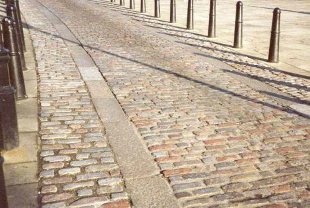 The Historic Use of Granite Setts and Kerb in London | CED