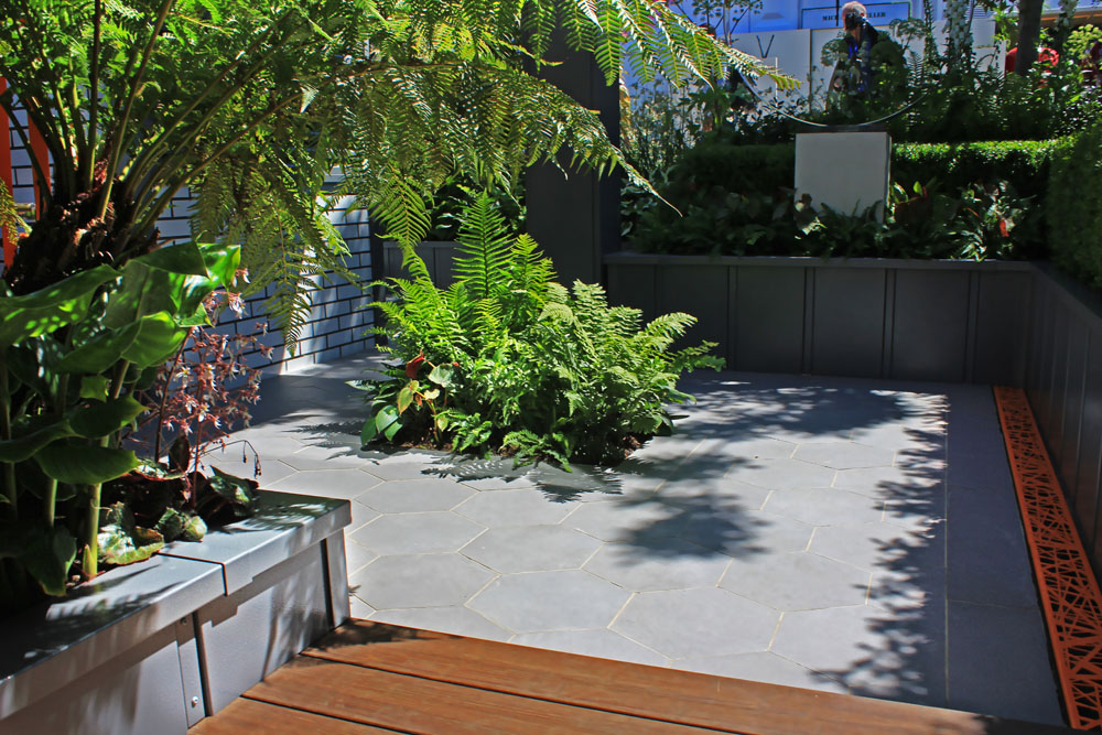 Bespoke Hexagon Porcelain Paving: Kate Gould's City Living Wins Chelsea Gold