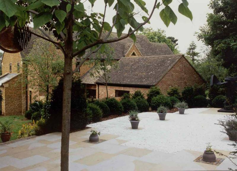 Sawn Yorkstone Paving' Private House.
