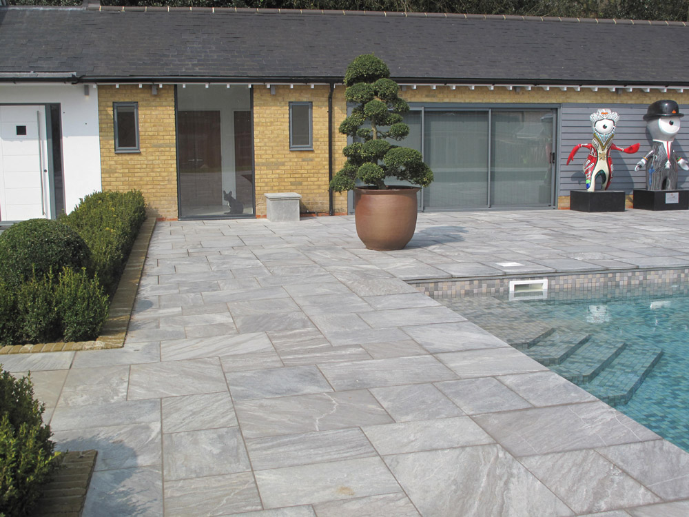 Ebony cloud paving in a private garden built by ABS. For further images please visit our Projects' Private Places gallery.