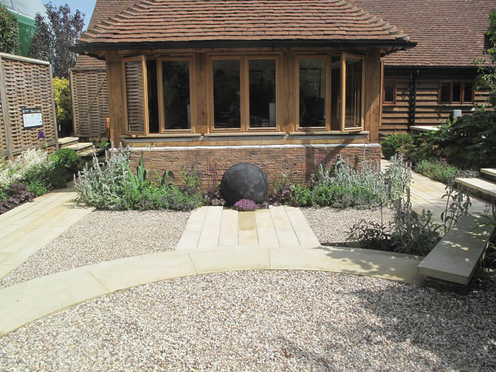 Buff Sandstone Plank Paving and Flint Gravel at Majestic Trees Nursery' Hertfordshire. For further images of this job please visit our Projects-Private Places Gallery.