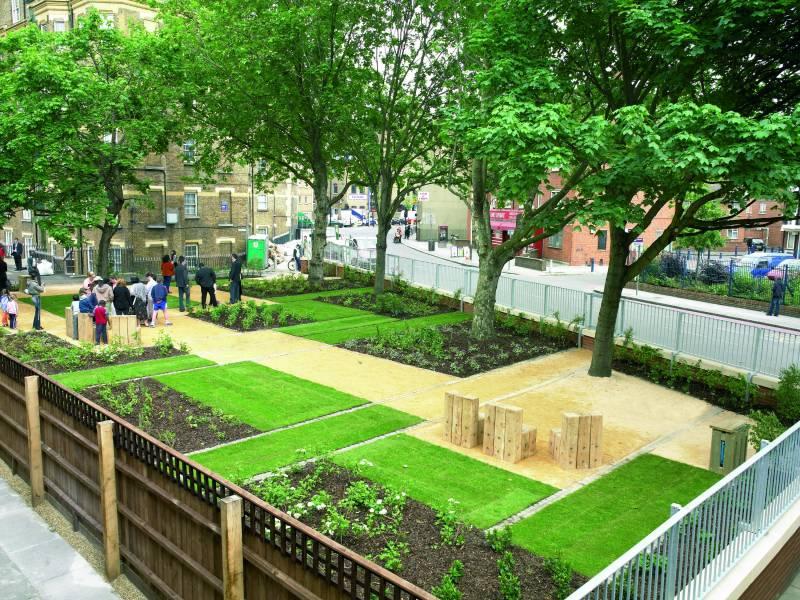 Cedec Gold' London Garden.