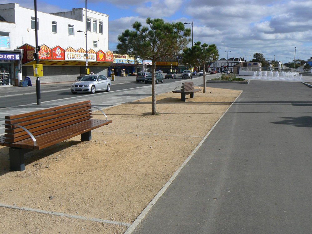 CEDEC Gold at Southend City Beach. Contractor - Carillion plc. For further images and info on this job please visit our Projects-Public Spaces Gallery.