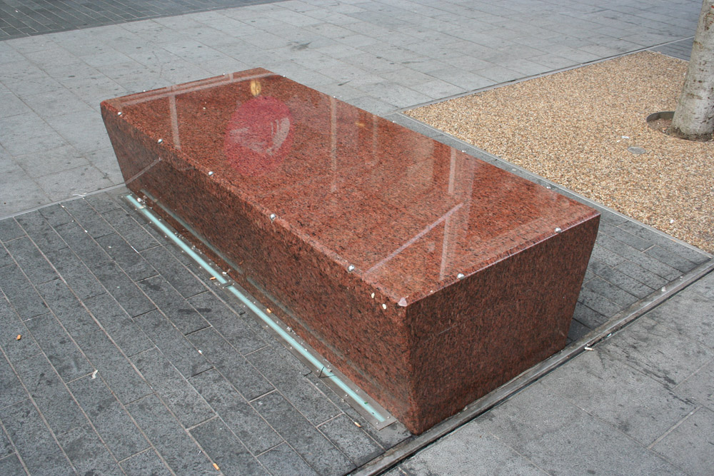 Red Granite benches at Market Street' Leicester. For further images of this project please visit our Projects-Public Spaces gallery.