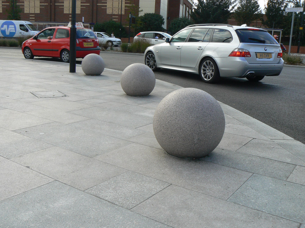Granite spheres at Southend Victoria Gateway. Contractor - Carillion plc. For further images and details of this job please visit our Projects-Public Spaces Gallery.