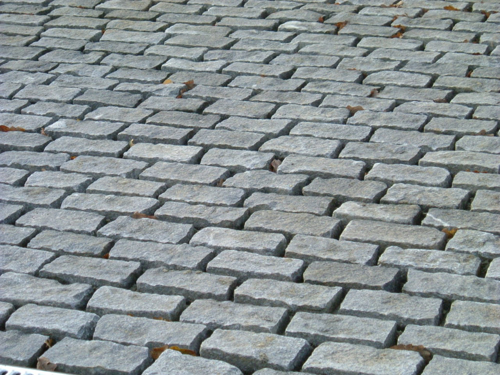 Driveway Using Dark Grey Cropped Setts Ced Ltd For All