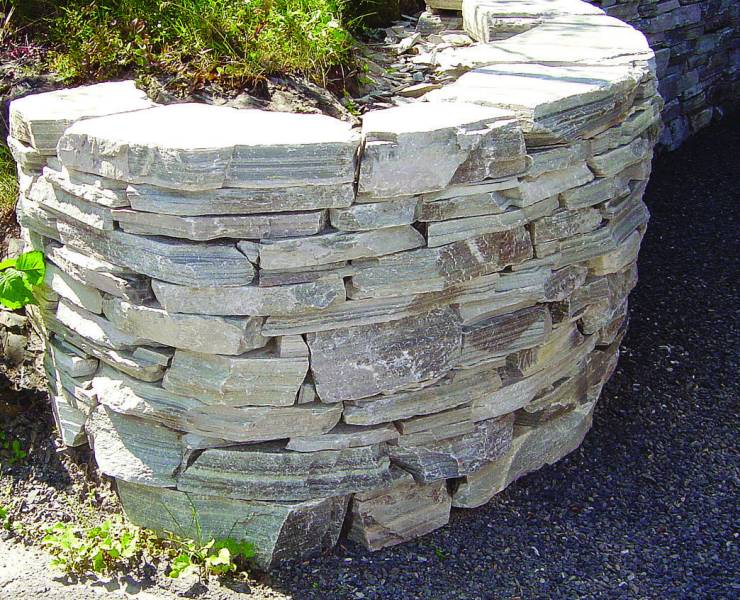 Oppdal Quartzite Walling' Private Garden