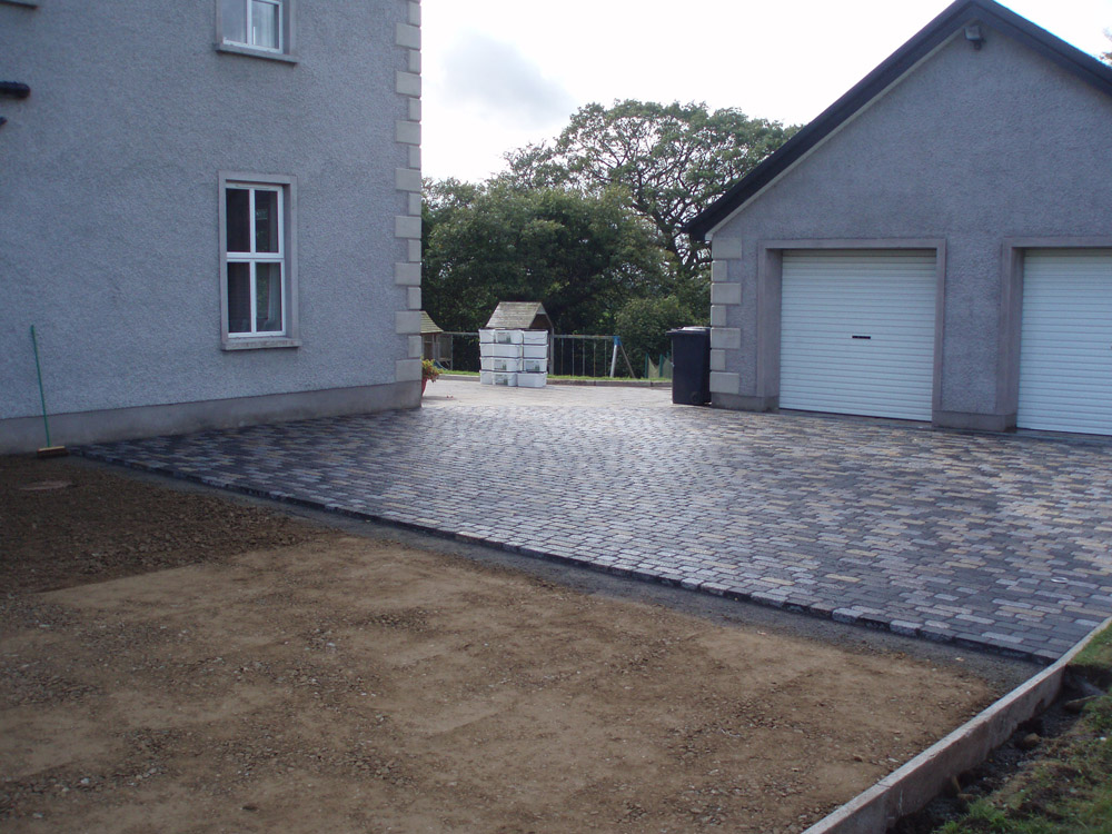 CEDAdrive® (filled with golden flint gravel) and Temple Sett Driveway. Private property in Ireland.