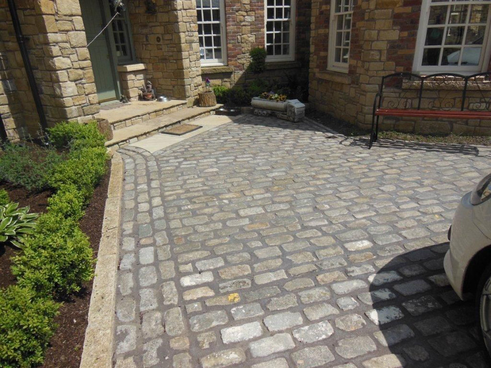 Reclaimed Granite Sett driveway by Ben McKee Landscapes