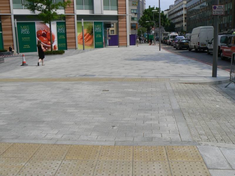 Silver Grey Granite Paving' Bankside 123' London