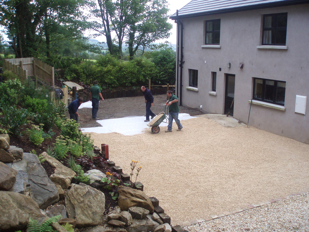 Cedagravel® filled with Buff Flint Gravel in a private garden' Ireland. Designed and built by Maurice Maxwell Garden Designs.