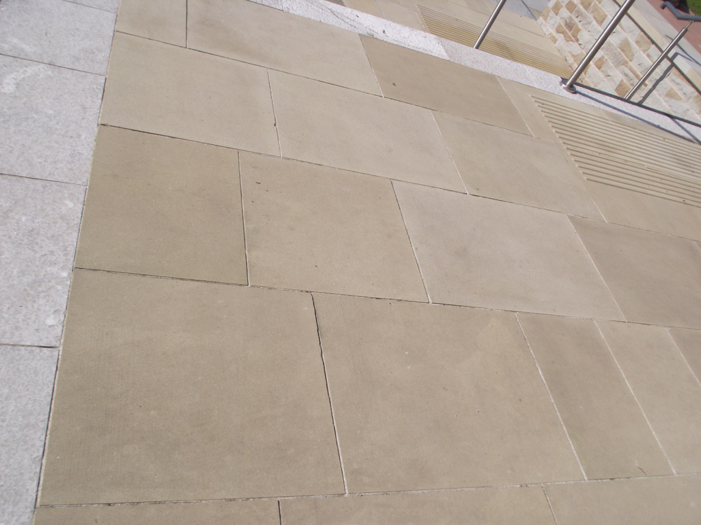 <p>Buff Yorkstone</p>  <p>  S35/105/A</p>  <p>  Sawn</p>  <p>  600mm x 50mm x RL</p>  <p>  This paving is readily available</p>