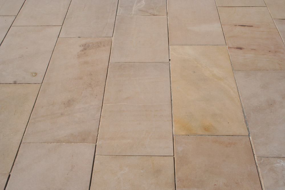 <p>Scottish Buff Pink Sandstone</p>  <p>S226/2128/1899</p>  <p>Sawn</p>  <p>400mm x 50mm x RL</p>  <p>This paving is readily available</p>